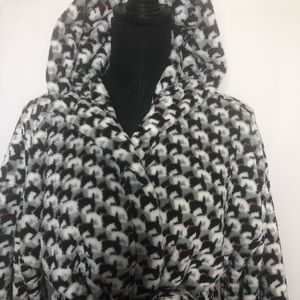 Vera Bradley Intimates & Sleepwear - Vera Bradley woman's robe nwot
